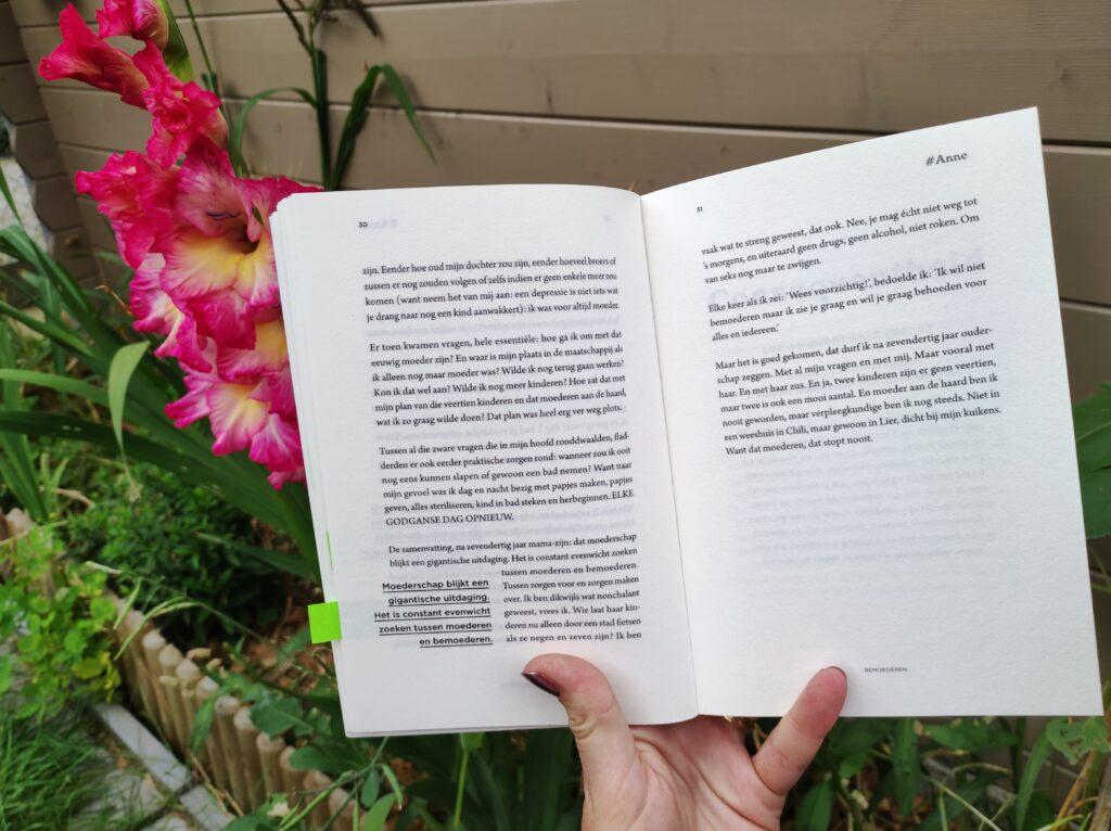 bladzijde boek #onsmoeder